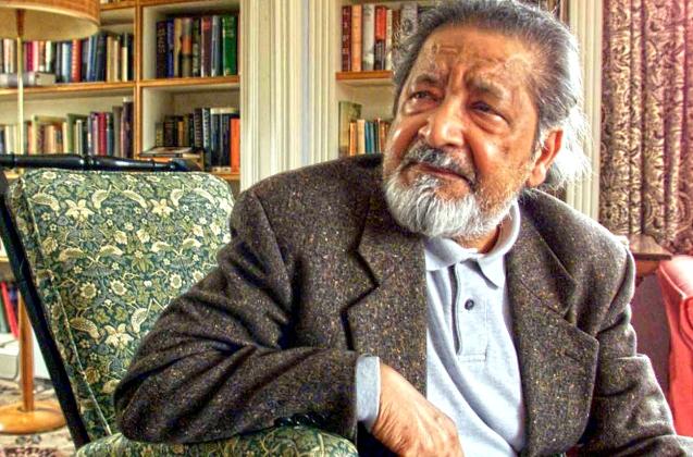 V.S. Naipau, na sua casa próximo de  Salisbury, Wiltshire, em 11 de Outubro de  2001, após o anúncio de que ganhara o Prémio Nobel da Literatura. © Direitos Reservados | All Rights Reserved