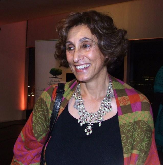Nasceu em 1951 em Damasco, na Síria. Formou-se em Arquitetura nas universidades de Beirute e Michigan. Entre 1991 e 1993 foi membro da delegação palestiniana de paz em Washington. É diretora do Centro para a Conservação da Herança Arquitetónica da Palestina e autora de vários livros @DR
