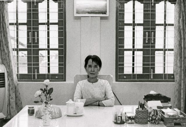 Em 1991, a líder birmanesa foi a premiada com o Nobel da Paz, em recompensa pela sua luta a favor da democracia, mas só o recebeu em Junho de 2012. © Vogue, Março 2011