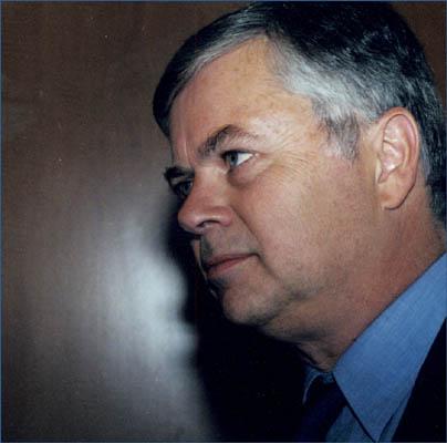 Stephen Kinzer, o autor.