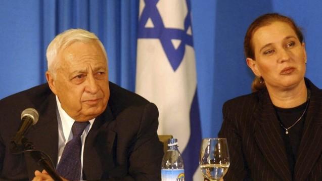 Tzipi Livni com o defunto primeiro-ministro Ariel Sharon: ela acompanhou-o quando ele deixou o Likud, depois das divisões criadas após a retirada unilateral da Faixa de Gaza, e formou o Kadima. © Direitos Reservados | All Rights Reserved