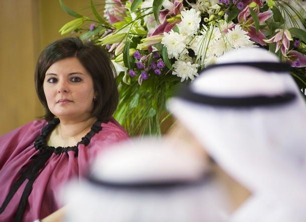 Aseel Al-Awadi com companheiros da sua lista eleitoral durante a campanha para as legislativas de 2008. Foi a única candidata pelo partido liberal Aliança democrática Nacional liberal National. © Stephanie McGehee | Reuters
