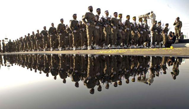 Os Guardas da Revolução (Pasdaran) detêm poder político e económico, e controlam o nuclear. © Direitos Reservados | All Rights Reserved