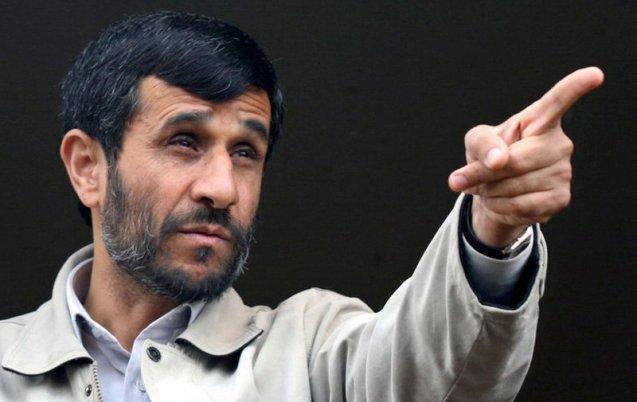 os dois anos de Ahmadinejad no Quartel-General de Ramazan permitiram-lhe uma rede de contactos cruciais para ascender à presidência da Câmara de Teerão, em 2003, e da República, em 2005 e 2009. (AP Photo/Mehr News, Sajjad Safari)