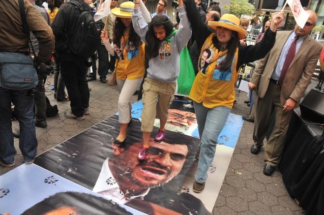 Protestos contra a reeleição em 2009. @DR (Direitos reservados | All Rights Reserved)
