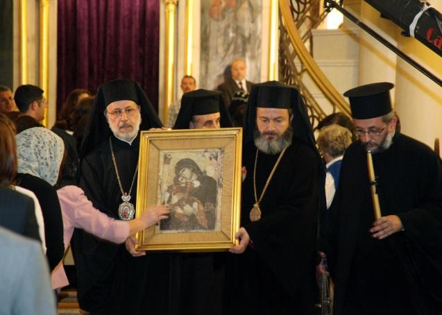 Todas as denominações cristãs na Síria realizaram, em Abril de 2013, uma prece colectiva depois dos raptos, em Aleppo, de dois bispos: Paul Yazigi, da Igreja Grega Ortodoxa, e John Ibrahim, da Igreja Siríaca Ortodoxa @ Syrian Free Press Network
