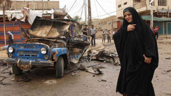 Ataque bombista, em Bagdad, 20 de Maio de 2013, bairro de Kamaliyah, uma área predominantemente sunita (a comunidade a que pertence Hashimi; Maliki é xiita): O projecto Iraq Body Count (IBC) documentou entre 112.017 e 122,438 mortes civis entre 20 de Março de 2003 (ano da invasão liderada pelos Estados Unidos que derrubou Saddam Hussein) e 14 de Março de 2013. @DR (Direitos Reservados | All Rights Reserved)