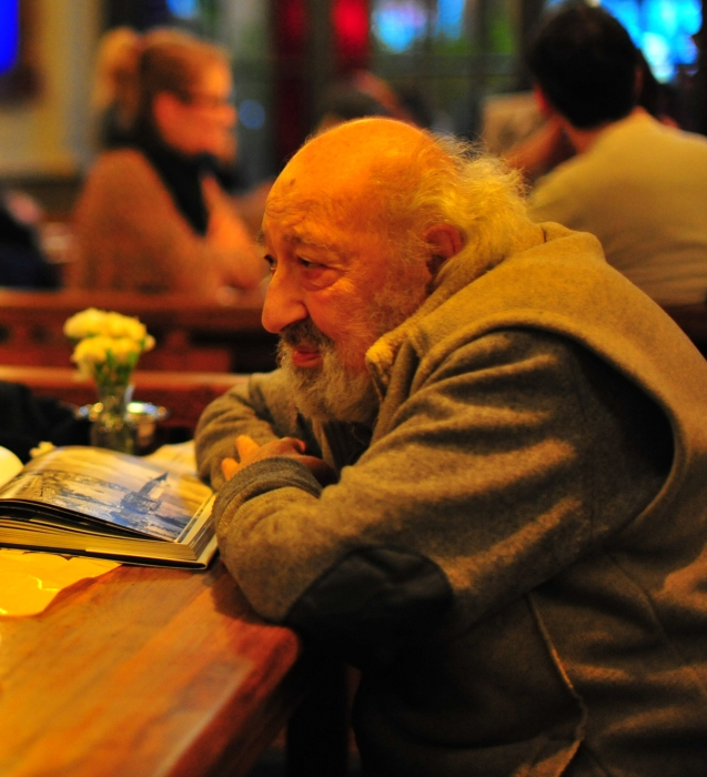"Ara Güler is a Turkish Armenian photojournalist, nicknamed ""the Eye of Istanbul"" or ""the Photographer of Istanbul"" Cortesia de 