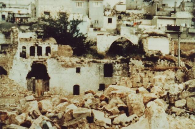Hama, bastião da Irmandade Muçulmana, depois de bombardeada, por ordem de Hafez al-Assad, em 1982; entre 30.00 e 70.000 mortos (este último número estimado por Rifaat, cunhado do antigo Presidente, que foi incumbido da missão de arrasar a cidade). @DR (Direitos Reservados | All Rights Reserved)