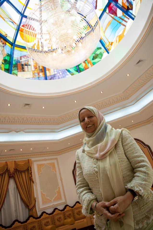 Shukor Al-Ghammary foi, em 1994, uma de duas mulheres – as primeiras – eleitas para o Majlis a'Shura (Conselho Consultivo) criado em 1991 por decreto do Sultão Qabbos bin Said al Said @DAVID CLIFFORD