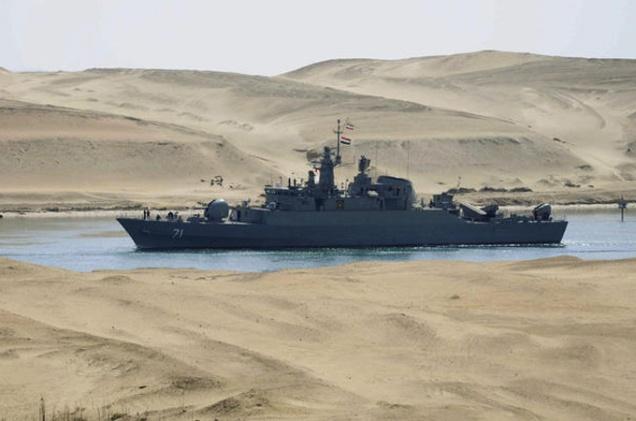 O porto de Tartous (na foto, está atracado um navio iraniano) é a última base naval que a Rússia mantém no Médio Oriente. Isso, juntamente com contratos de vendas de armas de milhões de dólares tem explicado por que a Moscovo continua ao lado de Damasco apesar dos massacres atribuídos ao regime de Bashar al-Assad. @DR (Direitos Reservados | All Rights Reserved)