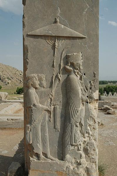 Relevo do rei Xerxes (485-465 BC), da Dinastia Aqueménida, à entrada do seu palácio em Persepólis, no modern Irão. @DR (Direitos Reservados | All Rights Reserved)