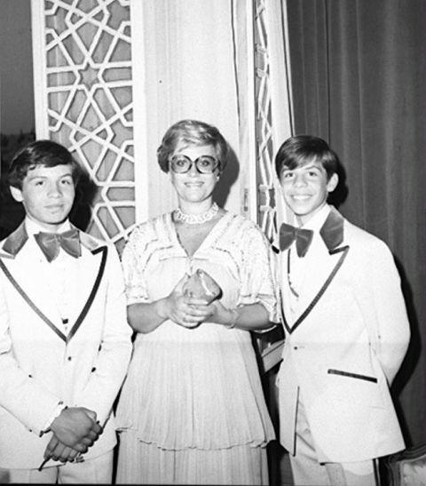 O Rei Abdullah II (à esquerda) com a sua mãe, Princesa Muna Al-Hussein (Tony Gardiner, nome de solteira). @DR (Direitos Reservados | All Rights Reserved)