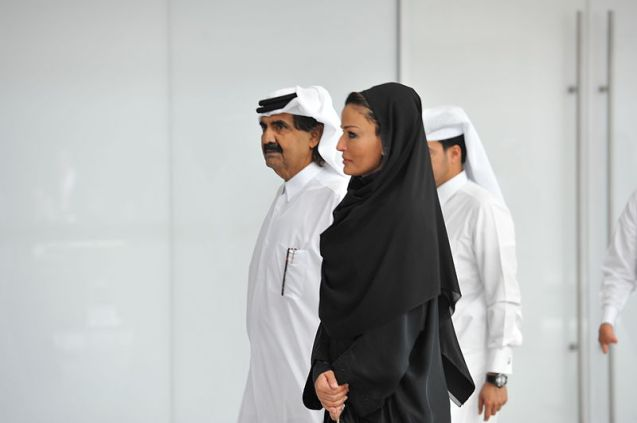 O Xeque Hamad bin Khalifa Al-Thani, Emir do Qatar e a Sheikha Mozah bint Nasser Al Missned © Direitos Reservados | All Rights Reserved