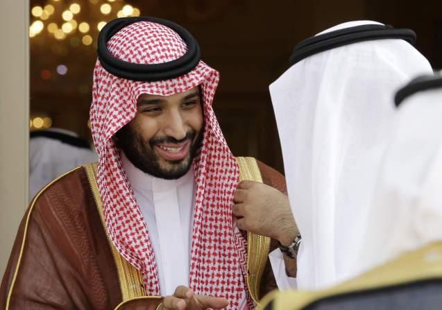 Mohammed bin Salman, 35 anos, filho do actual rei, é agora uma das figuras mais poderosas e símbolo da nova geração. É ministro da Defesa. © Associated Press (AP)