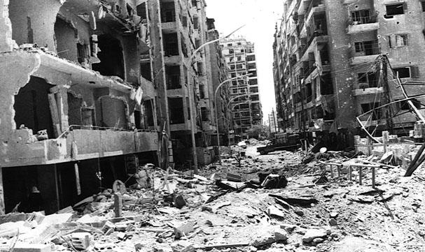 Massacre na cidade de Hamas, 1m 1982, ordenado por Hafez al-Assad, para esmagar a Irmandade Muçulmana. © neweasternpolitics.wordpress.com
