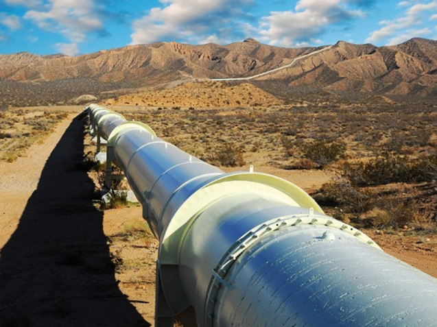 Tehran and Muscat signed a $1 billion deal to construct an underwater natural gas pipeline connecting the two Persian Gulf nations. According to Omani officials, the gas is to begin flowing into the sultanate by 2017. This pipeline would serve not only to secure Oman's greater access to the energy resource from Iran but also gas-rich Central Asia. © http://en.trend.az
