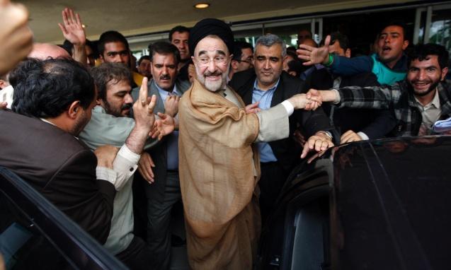 O ex-Presidente Mohammad Khatami, um reformista (aqui numa foto em 2009), foi uma figura central das eleições apesar de o seu nome e fotografia terem sido proibidos pelo regime © Hasan Sarbakhshian | AP