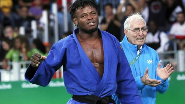 Popole Misenga, atleta olímpico congolês e o treinador que nele deposita muitas esperanças ©Orlando Barria | EFE