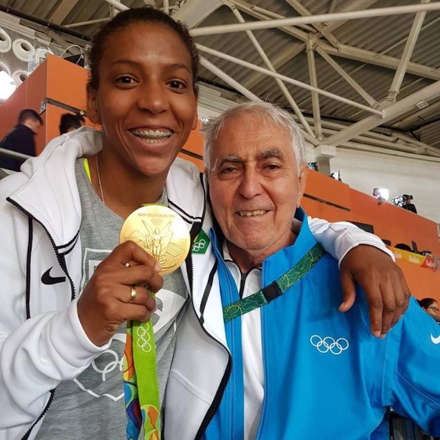 Rafaela Silva e o treinador Geraldo Bernardes, que a ajudou a ser campeã olímpica © Direitos Reservados | All Rights Reserved